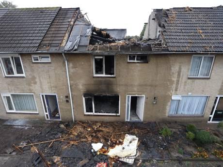 Man die vermoedelijk zijn oude huis in Best in brand stak, is berucht in zijn dorp