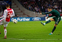 Oktober 2012: Ronaldo scoort met zijn favoriete rechterbeen tegen Ajax.