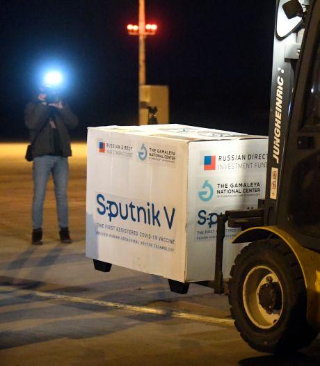 """Autoriser en urgence Spoutnik V, c'est jouer à la """"roulette russe"""""""