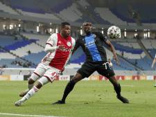 Ajax en PSV terug van trainingskamp in surrealistisch decor