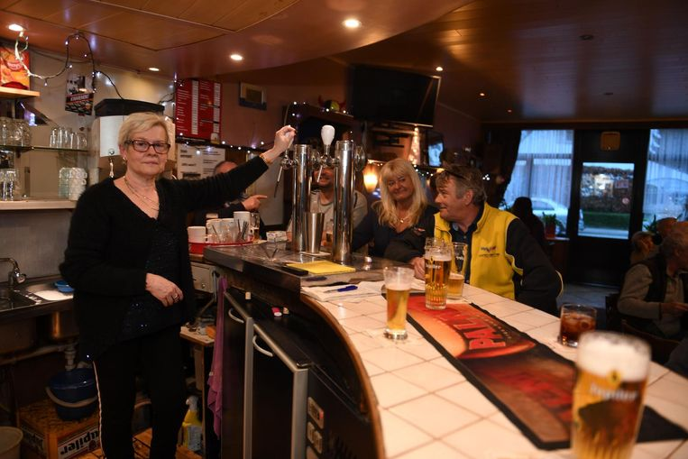 Marie-Jeanne moet haar café na 34 jaar met pijn in het hart sluiten.
