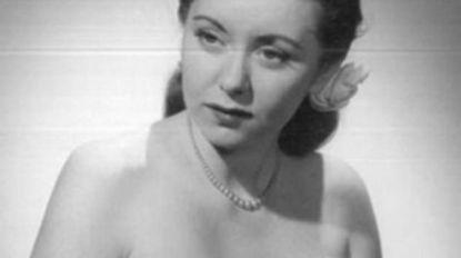 """Ze werkte voor de Navy en liep op de catwalk in New York, maar op haar 93ste stierf ze vreselijke dood in rusthuis: """"Parasieten vraten haar levend op"""""""