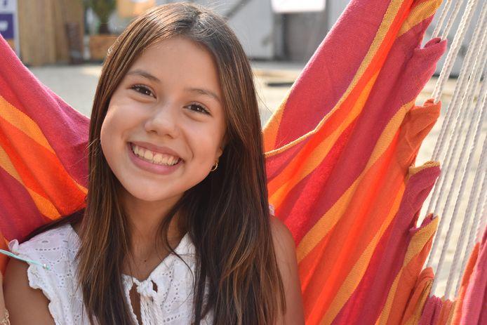 Naomi Traa houdt van zingen, acteren en presenteren.