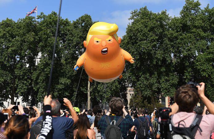 De  populaire 'Donald Trump Baby Blimp' ballon in 2018. Gaat hij weer vliegen?