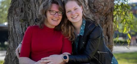 Margreeth is 19 en zorgt voor haar moeder: 'Omdat ik van haar houd en omdat het nodig is'