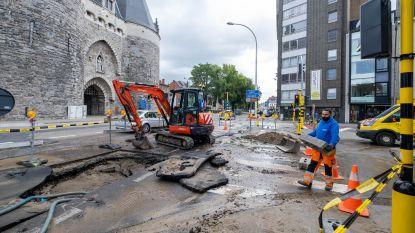 """Herstellingswerken aan gesprongen waterleiding gestart: """"Maar oorzaak van breuk is nog niet bekend"""""""