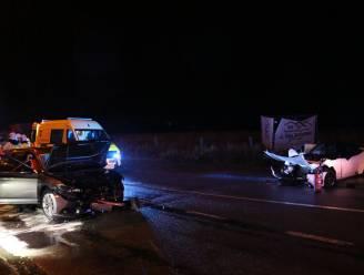 Twee gewonden bij frontale aanrijding op Brakelsesteenweg