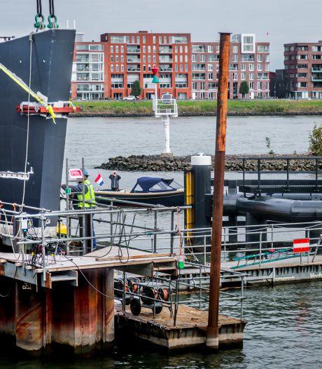 Bouw Prins Clausbrug bereikt mijlpaal; pijlers zijn in het Wantij gezet