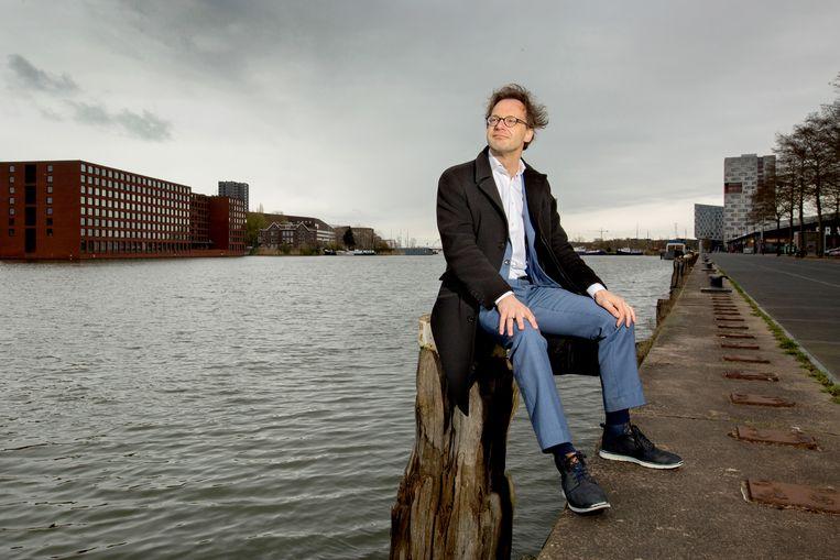 Ronald van Raak: 'Ik kan niet ontkennen dat dat anarchisme, het fileren van de macht en de ironie mij na aan het hart liggen'. Beeld Maartje Geels