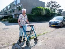 Koudekerk als enige dorp in Nederland helemaal rollatorproof? 'Het is hier heel prettig voor ons'