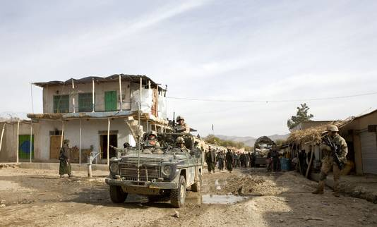 Nederlandse militairen in Chora, Afghanistan.
