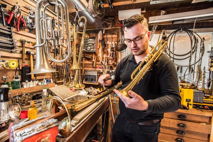Instrumentenreparateur Bert-Jan Kosters uit udenhout
