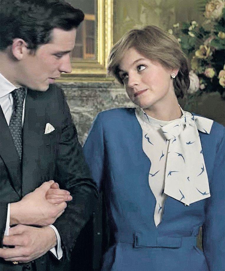 Josh O'Connor en Emma Corrin als prins Charles en Diana in 'The Crown'. Beeld netflix