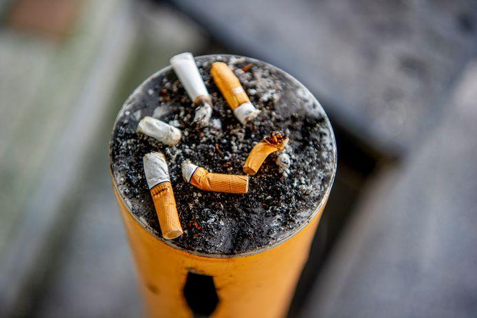 Vrouwen in Nederland begonnen in de jaren zeventig massaal te roken, hierdoor krijgen ze nu relatief veel longkanker.