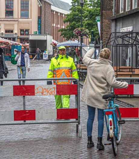 Lezers over fietsverbod Grote Markt: 'Zwolle, waar ben je mee bezig?'