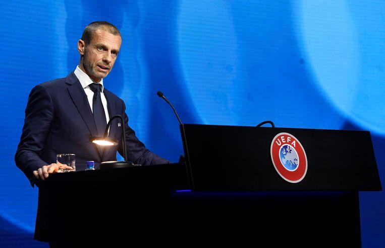 UEFA-voorzitter Aleksander Ceferin spreekt zich op een congres in Montreux fel uit tegen de 'verraders'. Beeld AP
