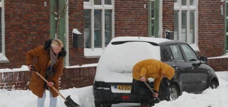 Winterweer: test- en vaccinatielocaties GGD weer open, openbaar vervoer ligt grotendeels plat