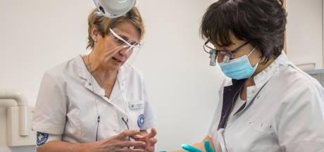Zo kunnen Rotterdammers met weinig geld tóch naar de tandarts: 'Straks durf ik weer te lachen'