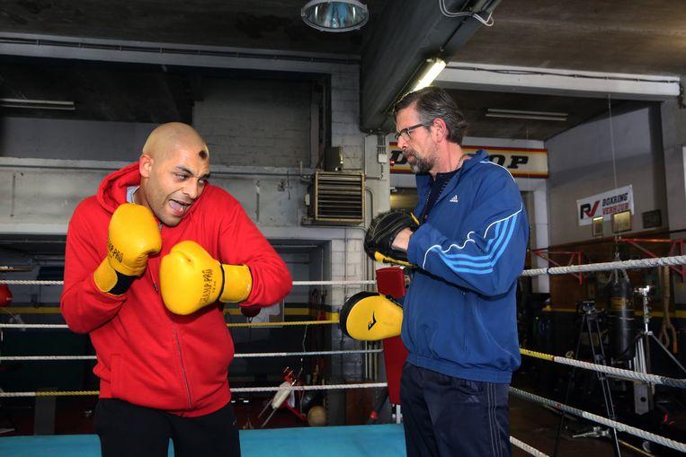 Hoofdrolspelers Nabil Mallat - met het iconische kapsel van bokser Ismaïl Abdoul - en Johan Heldenbergh.