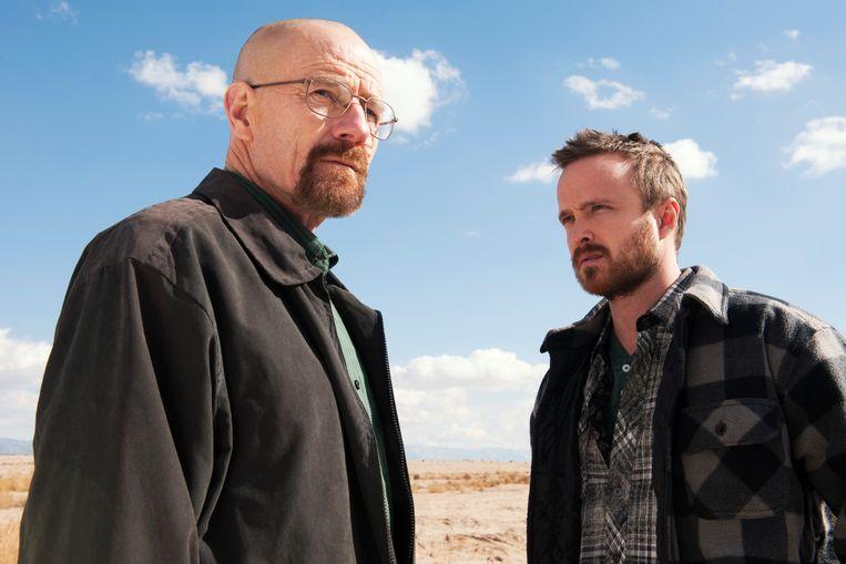Bryan Cranston (Walter White) en  Aaron Paul (Jesse Pinkman) in het razend populaire 'Breaking Bad'. Beeld AP