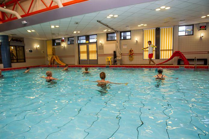 De Tongelreep is toe aan renovatie. Doordat de kosten veel hoger uitvallen dan geraamd wordt gevreesd voor de toekomst van het zwembad.