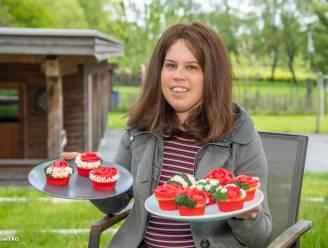 """Een vakantiejob was geen optie voor Amber (17), die strijdt tegen lymfeklierkanker: """"Dus verkoop ik nu zelfgebakken cupcakes"""""""
