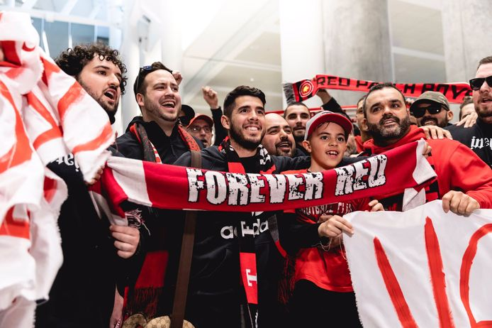 Alejandro Pozuelo komt aan op de luchthaven van Toronto.