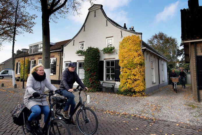 Historische boerderij uit 1864 in de Kerkstraat van Alblasserdam.