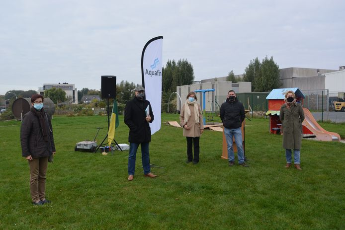 Aquafin en de gemeente Wetteren stelden het project voor op het speelplein in de wijk.