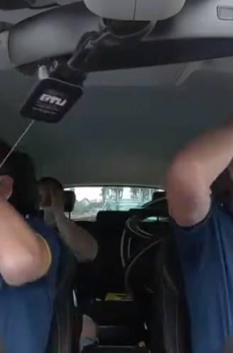 """Zenuwslopende beelden vanuit ploegwagen Jumbo-Visma: """"Het is écht niet te zien op de finishfoto"""""""