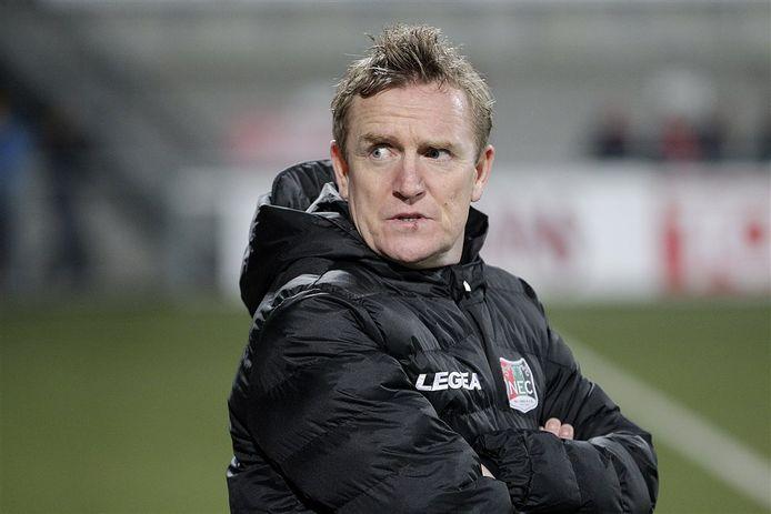 François Gesthuizen als trainer van NEC.
