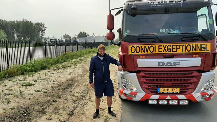 Ruimte zat op het nieuwe parkeerterrein naast de N302, maar Mick Baerveldt mag er met zijn vrachtwagen niet op.