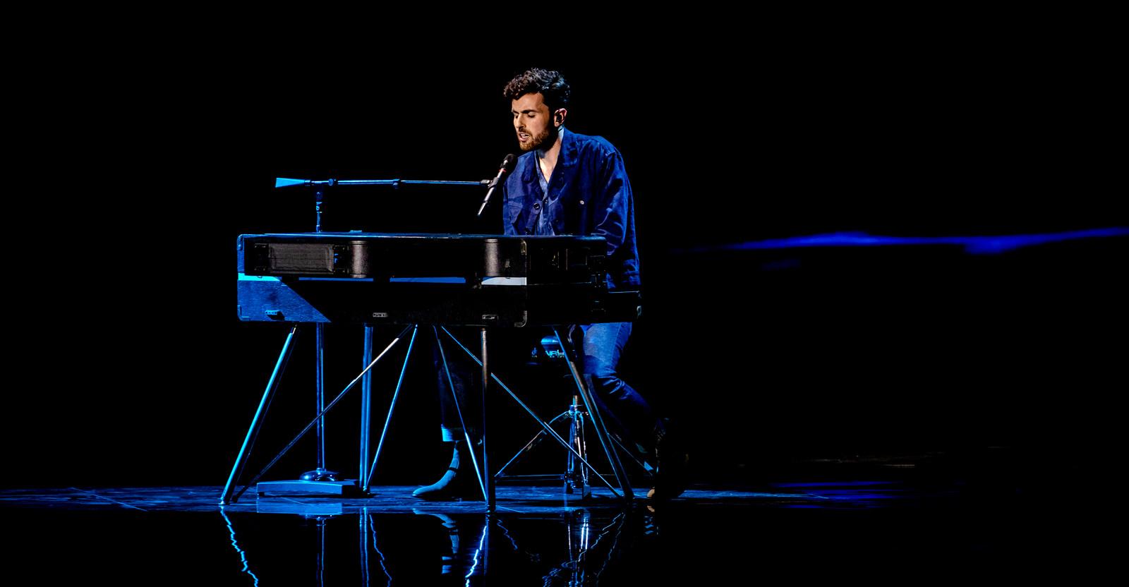 Duncan Lawrence tijdens zijn winnende optreden dit jaar op het Eurovisie Songfestival.
