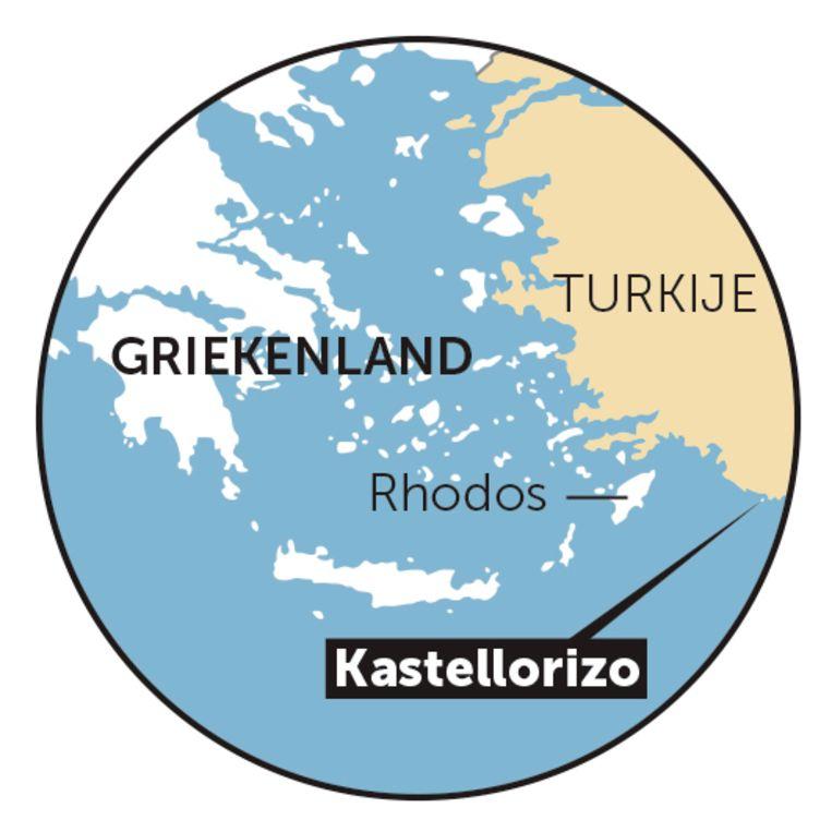 Het Griekse eilandje Kastellorizo ligt op 2 kilometer van Turkije.  Beeld grafiek dm