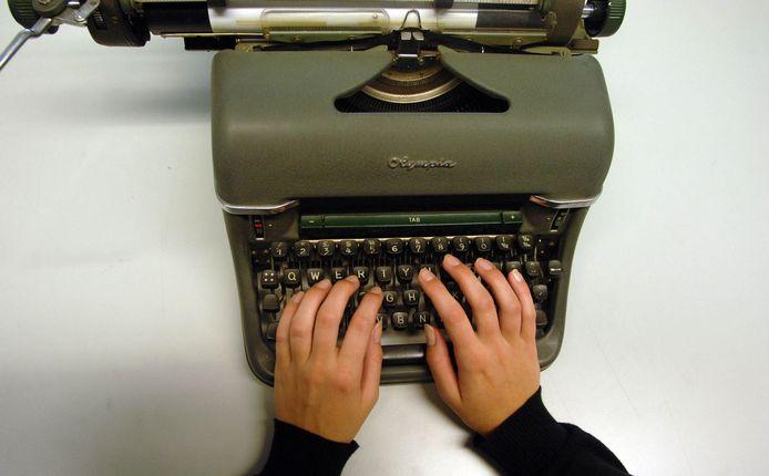 Typemachine. Decennialang was dit onverwoestbare en nagenoeg storingsvrije apparaat analoog hét gereedschap van de journalist. Foto ter illustratie.