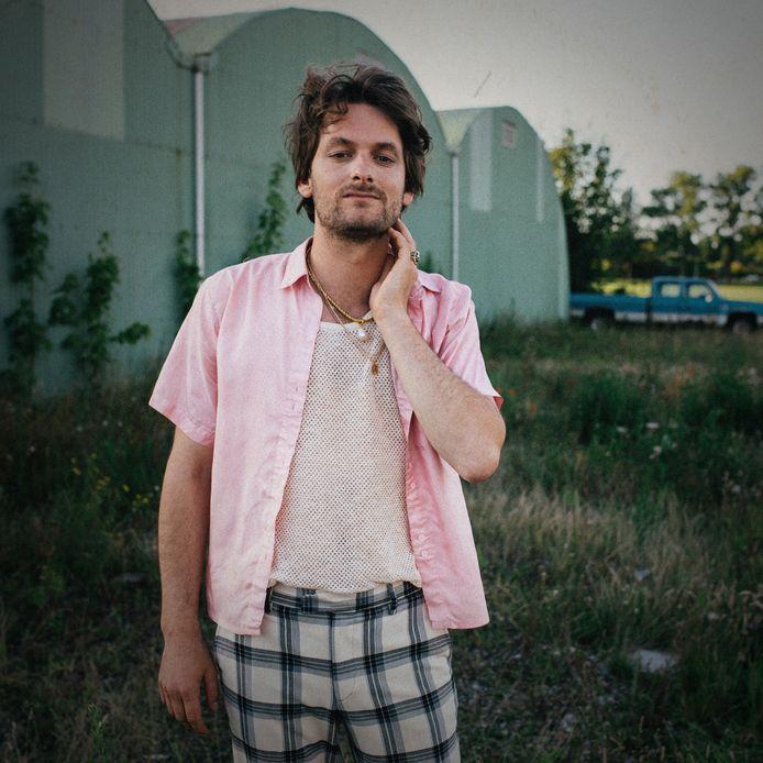 René Geelhoed in zijn rol van Makelove bij de opname van de clip afgelopen zomer in Zonnemaire.