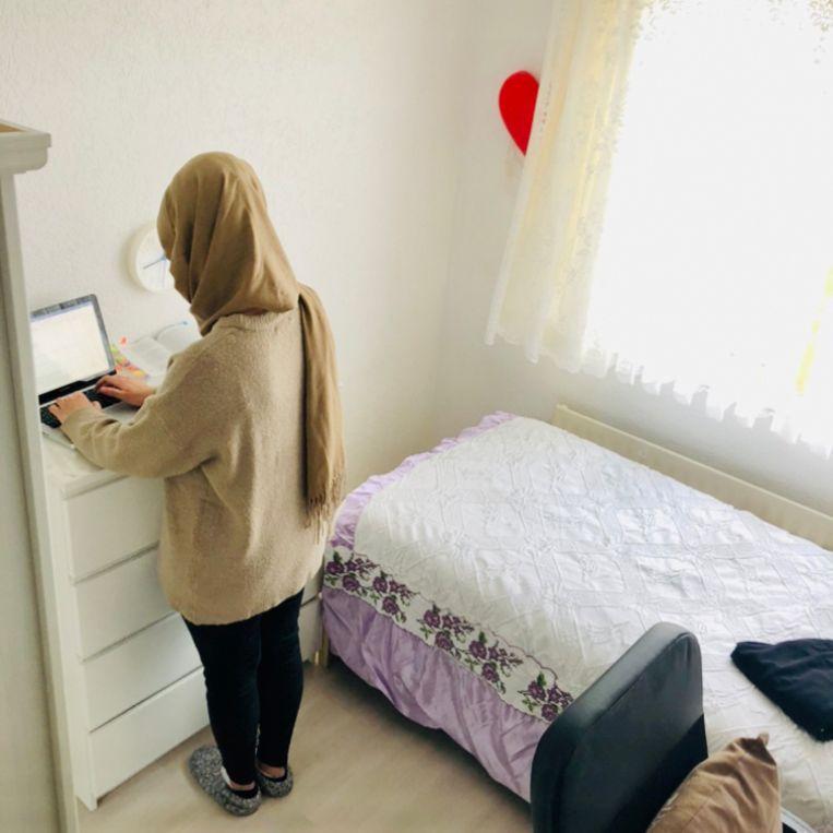 Hoe Rabia nu haar masterscriptie schrijft. Beeld Margriet Oostveen