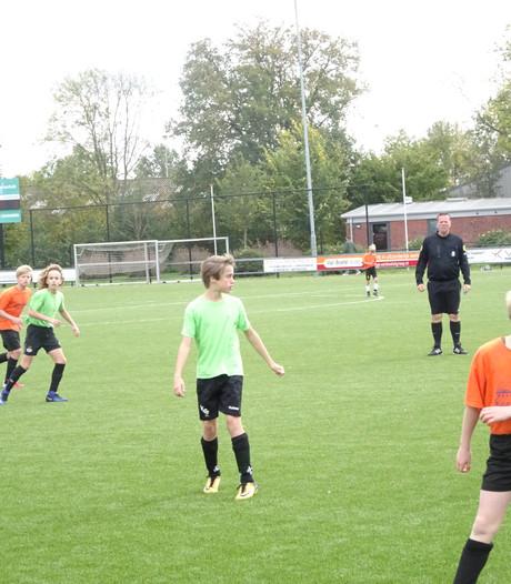 Basisscholen Berlicum en Gestel winnen schoolvoetbal