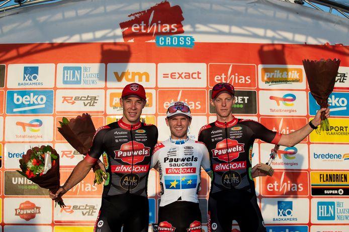 Laurens Sweeck, Eli Iserbyt en Michael Vanthourenhout stonden in Bredene alle drie op het podium.