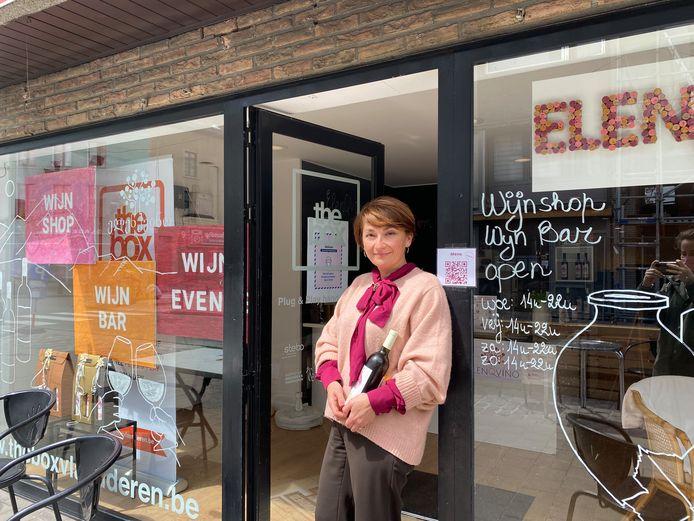 Elene Melikidze in ElenQVino in de Dampoortstraat.