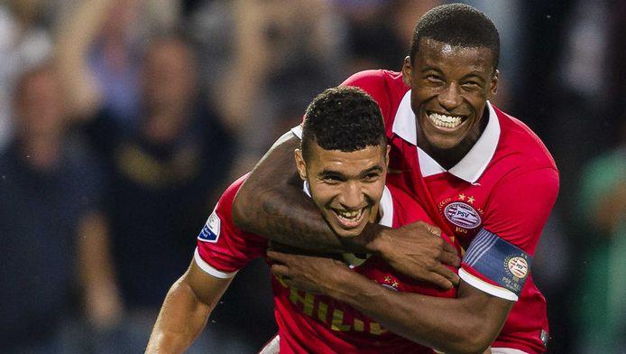 Zakaria Bakkali (l) en Georginio Wijnaldum reizen met PSV mee naar Milan.