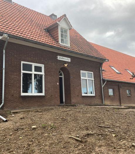 Wéér tien woningen erbij in Ooij: vanaf volgend jaar huizen in monumentale schuur aan Kerkdijk