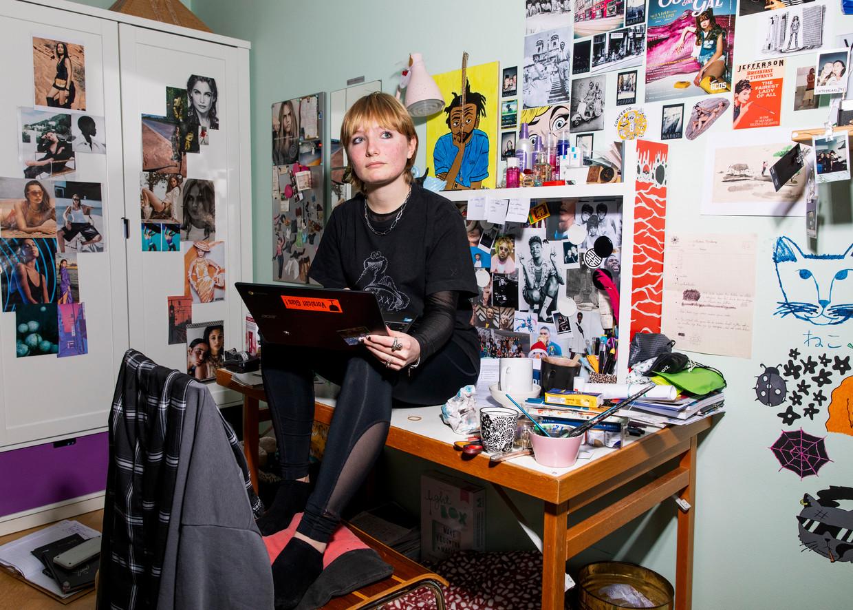 Catharina Korteweg (17) deelt haar ervaringen. Beeld Lin Woldendorp