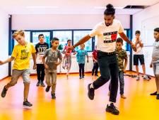Talentenweek van Bas (10) in Overvecht trekt kinderen van 'beide kanten van het spoor'
