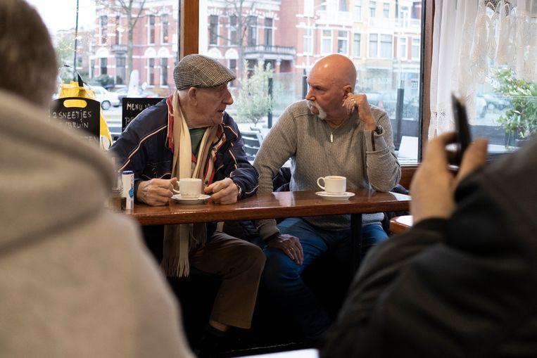 't Statenplein is het bekendste koffiehuis van de stad. Beeld null