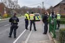 De Duitse politie aan de grensovergang in Ven-Zelderheide voor een 'coronacontrole'.