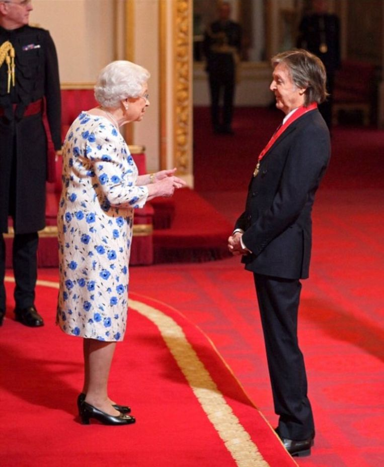 Queen Elizabeth II en Paul McCartney