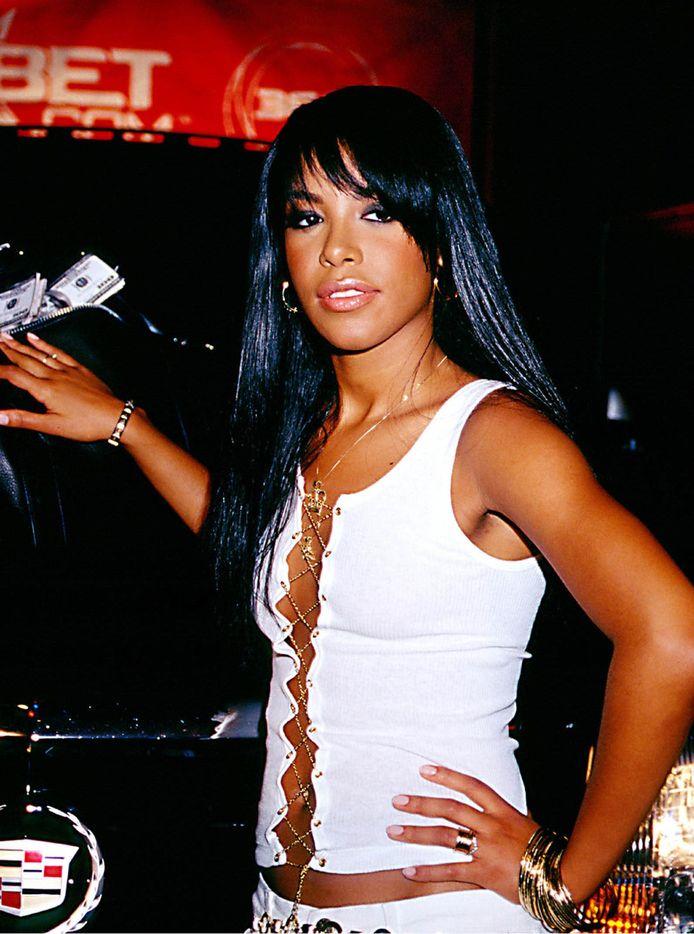 Zangeres Aaliyah was amper 15 toen R. Kelly met haar trouwde. Ze hadden toen al een hele tijd een relatie.