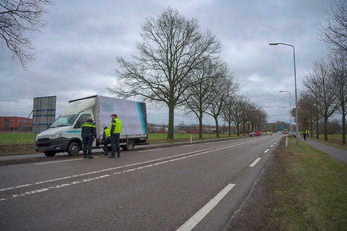 Fietser overleden na aanrijding met vrachtwagentje op Kempenweg in Oirschot.