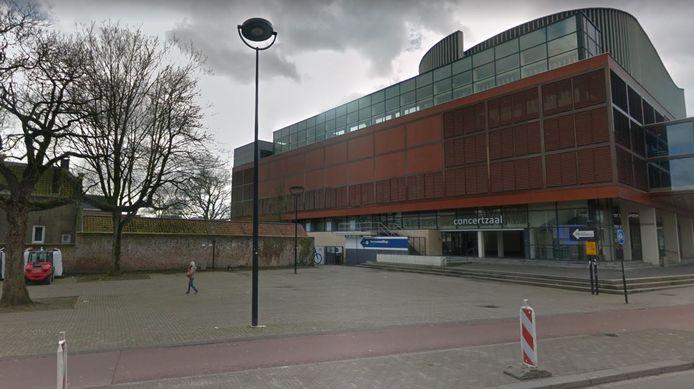 Het pleintje naast de concertzaal aan de zuidkant van de Schouwburgring is de beoogde locatie voor de anti-racisme demonstratie. Bij een grote opkomst kan er worden uitgebreid naar de Muzetuin.